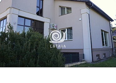 Parduodamas šeimos namas Rumšiškėse