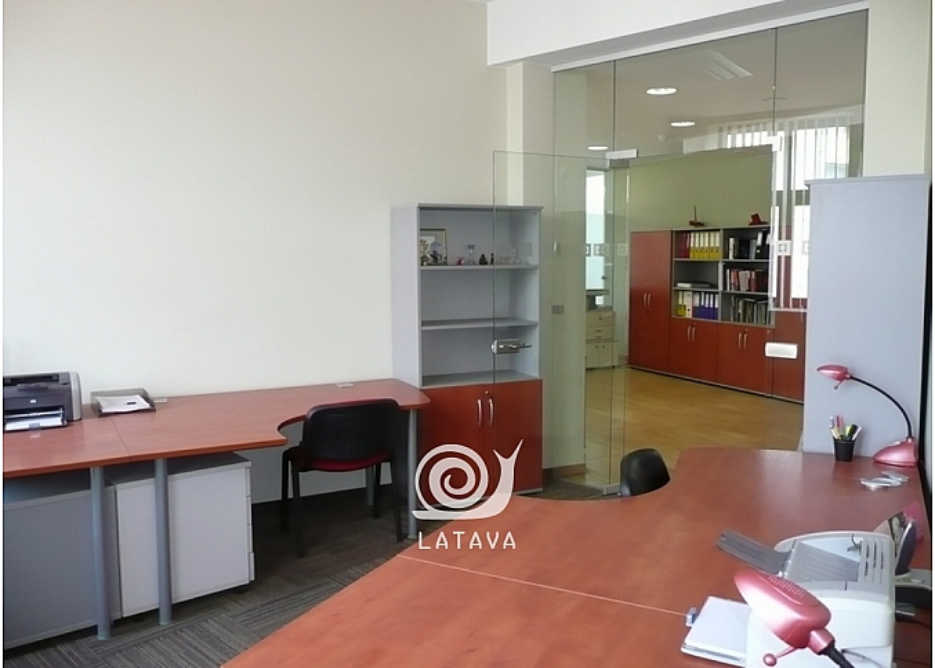 biuro-patalpos-zaliakalnyje-12