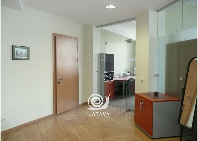 biuro-patalpos-zaliakalnyje-14