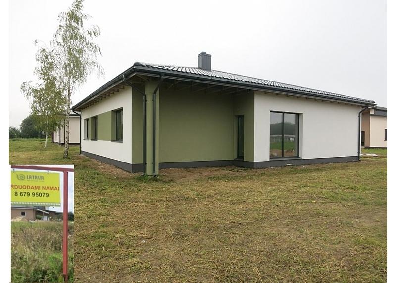 Mastaičiuose naujas vieno aukšto namas su garažu
