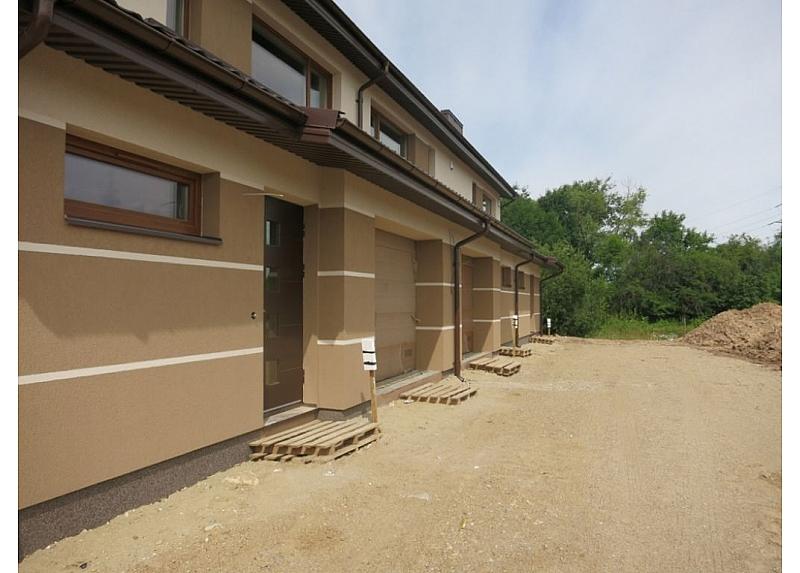 Trijų butų kotedžai Aleksote su garažu