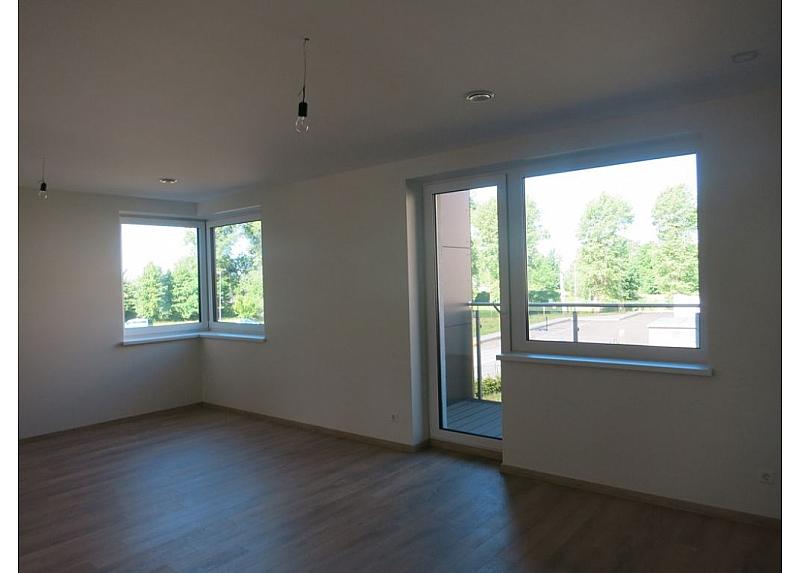 Įrengtas 3-jų kambarių butas, 1-ame aukšte su terasa